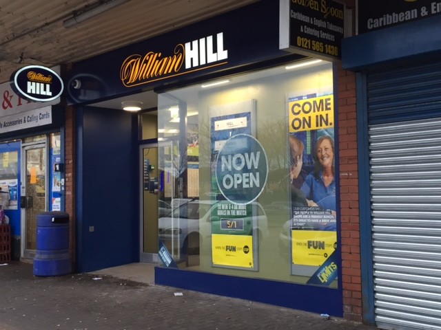 WILLIAM HILL OPEN NEW STORE AT WEST CROSS SHOPPING CENTRE